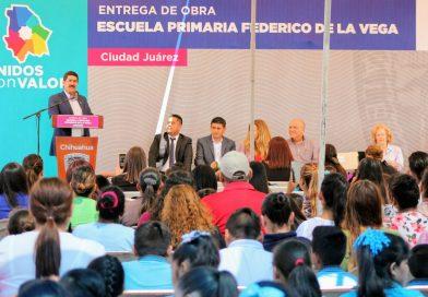 Inaugura Gobernador escuela primaria con cancha de fútbol «Federico de la Vega» en Juárez