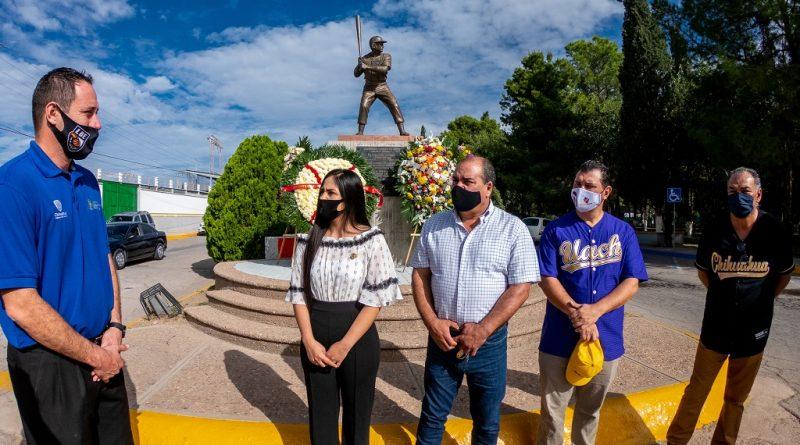 Montan Guardia de Honor a Héctor Espino González